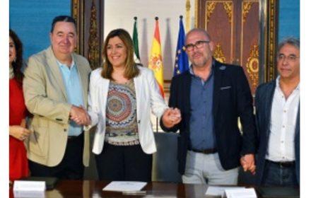 empleados públicos Andalucía recuperan jornada 35 horas