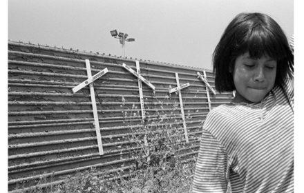 derechos humanos entre las piedras de los muros