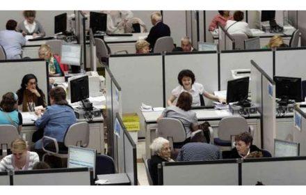 Prorrogar presupuestos 2017 empleados alargar efectos crisis