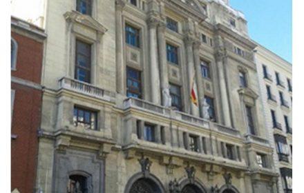UGT exige Méndez de Vigo que revierta recortes educativos