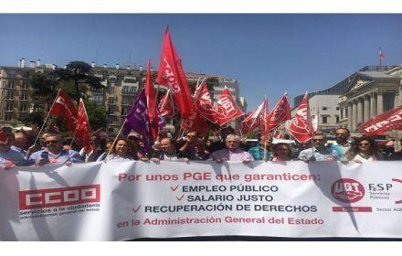 UGT y CCOO concentracion Congresos PGE