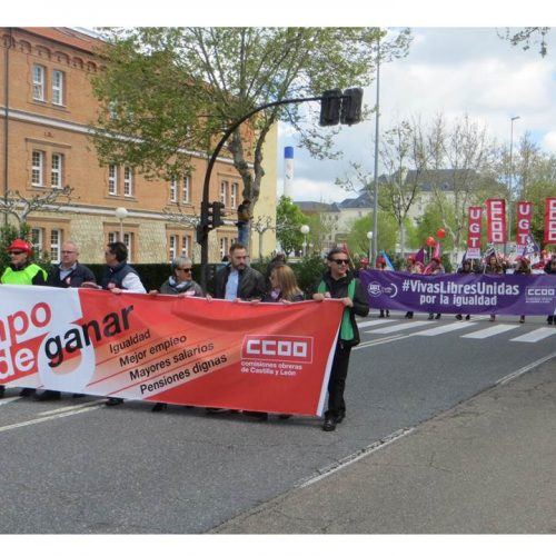 2018-05-01_manifestacion-7_varios carteles