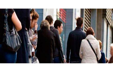Menos desempleados pero más desprotegidos