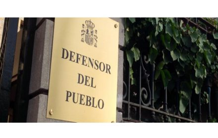 Defensor Pueblo ratios personal at directa no suficientes