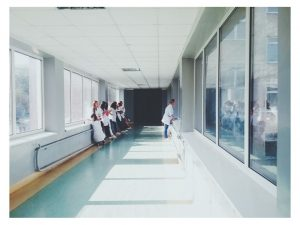 exige adecuación ratio enfermera población